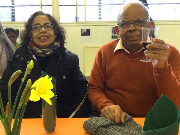 elders-couple-toasting700